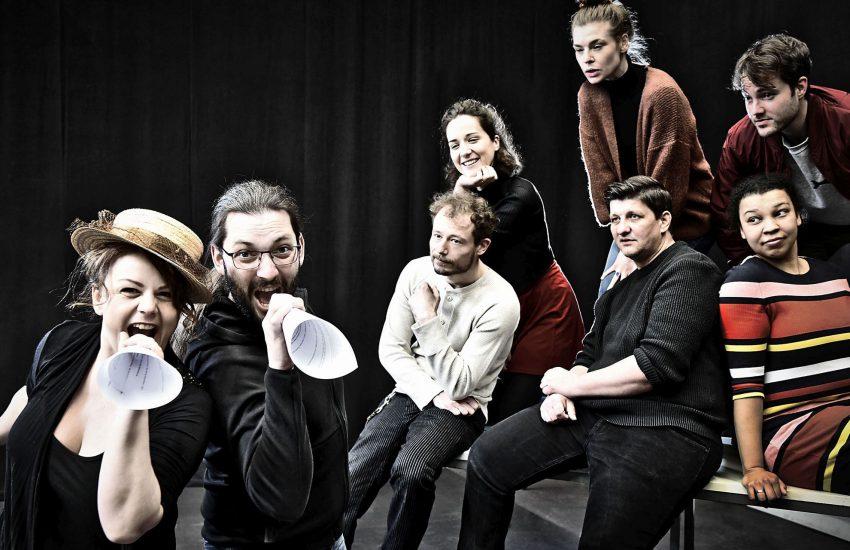 """Gesangsstarke Ensemblemitglieder und Gäste hat Tankred Schleinschock für die """"Wilden Zwanziger"""" zusammengestellt."""