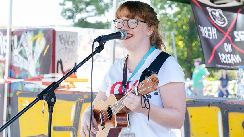Die Singer-/Songwriterin Alyssia ist zu Gast bei 'Herne streamt Lärm!'