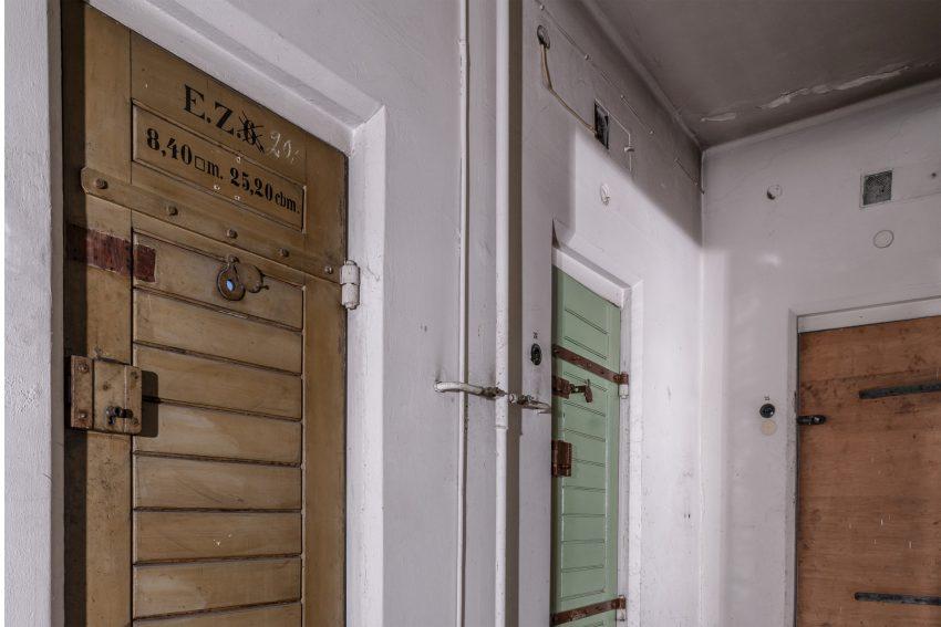 Zellentüren im ehemalige Polizeigefängnis - gegenüber dem Herner Rathaus.