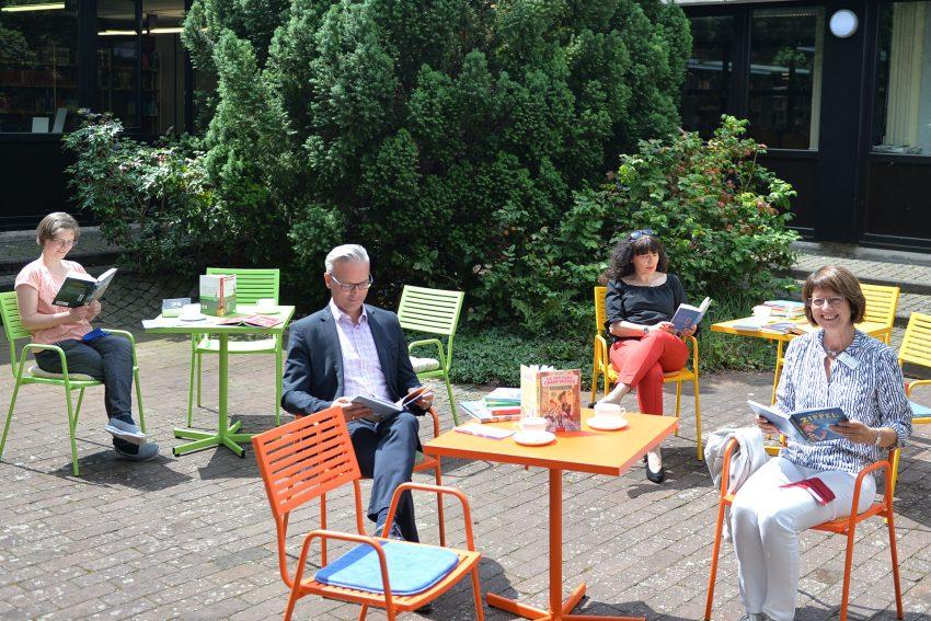 Vorstellung des SommerLeseClubs 2020. im Bild v.l. Nadine Henßen, Projektleitung, Dr. Frank Burbulla, Dezernent der Stadt, Angelika Kurzawa, von den Stadtwerken Herne und Ingrid von der Weppen, Leiterin der Stadtbibliothek.