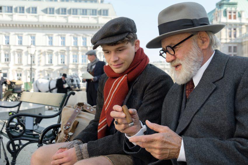 Der Trafikant. im Bild: Simon Morze und Bruno Ganz.