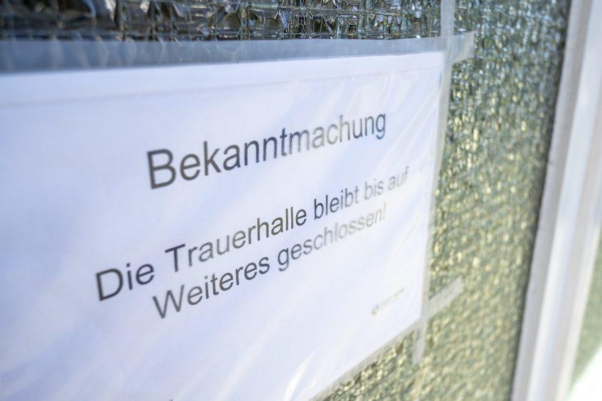 Der städtische Friedhof an der Horststraße in Herne (NW), am Dienstag (24.03.2020).