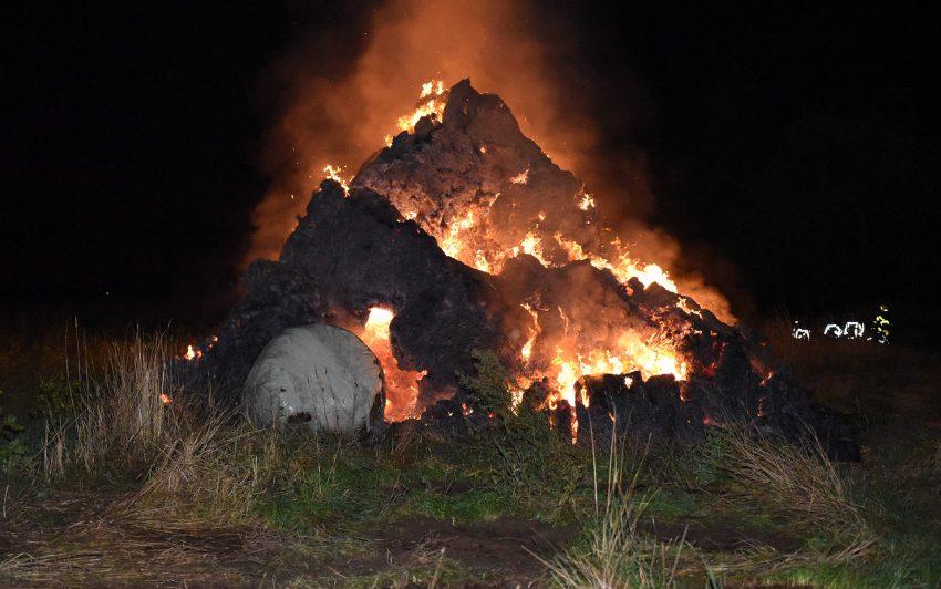 Strohballen brennen