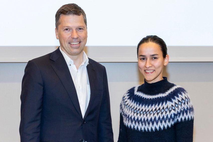 Prof. Dr. Clemens Tempfer, Direktor der Klinik für Frauenheilkunde und Geburtshilfe des Marien Hospital Herne, und Assistenzärztin Dr. Sadia Rehma.