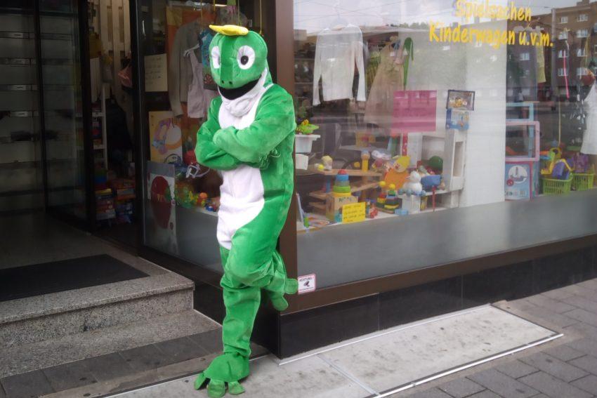 Der Froschkönig von Wanne wartet auf Kundschaft.
