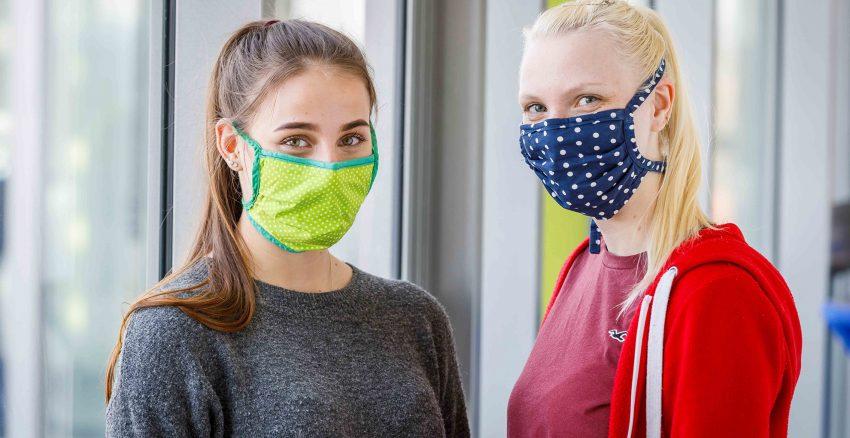 Kreativer selbstgenähter Mund-Nasen-Schutz.