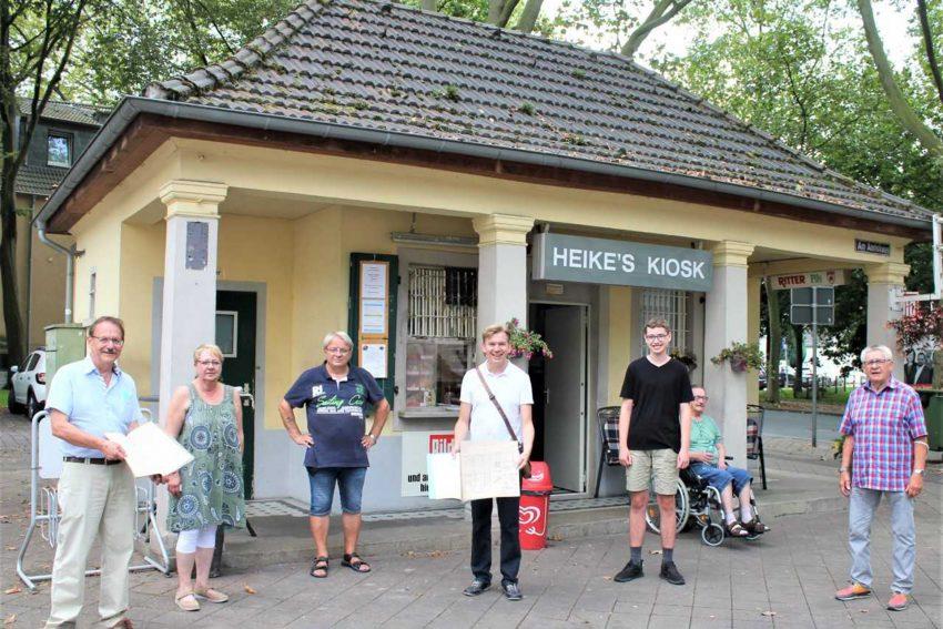Für den Denkmalschutz der historischen Bedürfnisanstalt/Warte- und Trinkhalle in Sodingen. v.l. Ulrich Klonki, Heike Chuchra, Gerd Biedermann, Mathias Grunert, Simon Hagen, Ernst Schilla.
