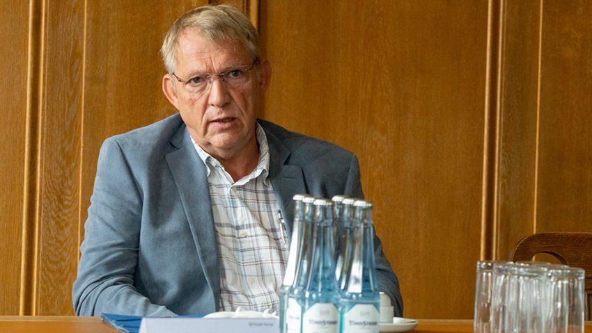 Vorstellung Gründachinitiative für Herne mit Emschergenossenschaft, im Bild Heinz-Jürgen Kuhl, Leiter Fachbereich Stadtgrün.