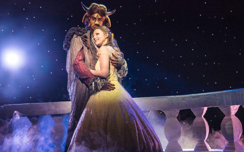 Das Theater Liberi inszeniert das französische Volksmärchen Die Schöne und das Biest im KuZ.