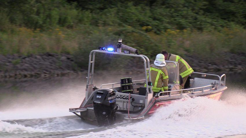 Bootsbrand am 17.7.2021 Rhein-Herne-Kanal
