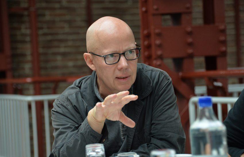 Karl-Heinz Blomann beim Pressegespräche zum Offstream-Festival -Blaues Rauschen.