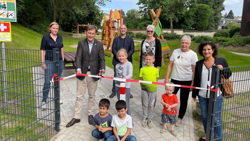 Spielplatz Martinistraße mit dem Thema Ritter am 7.9.2021 eröffnet.