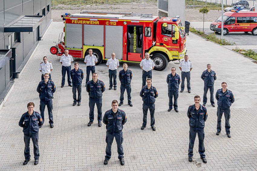 Elf neue Brandmeister für die Herner Feuerwehr.