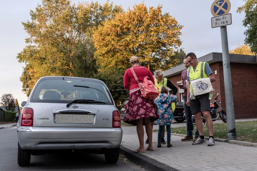 Zu Fuß zur Schule - eine Aktion an der Grundschule Pantringshof.