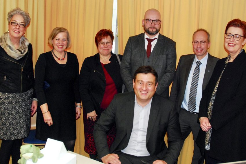 v.l. Marie Theresia Küppers, Angelika Paas-Otoo, Gabriele Mauermann, Marco Müller, Matthias Löb, Birgit Westers und Mathias Richter (vorne).