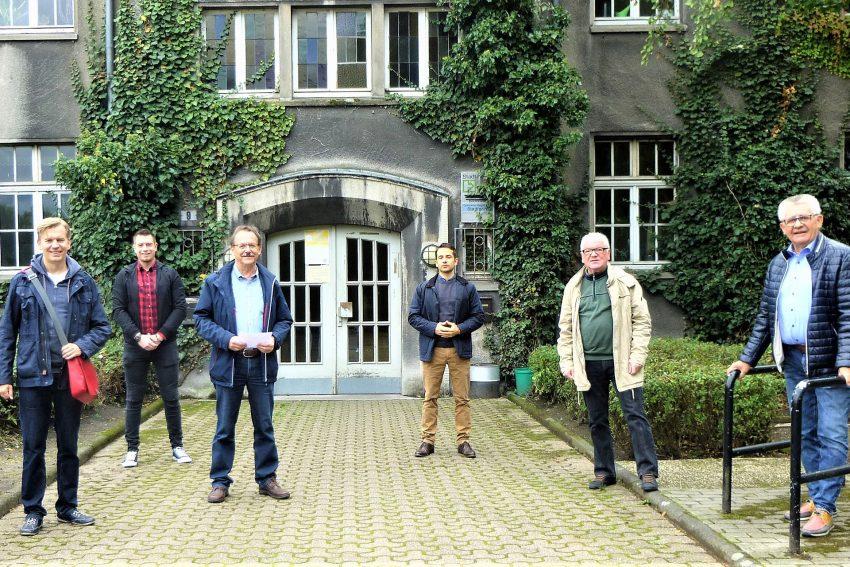 v.l. Mathias Grunert (Bezirksbürgermeister), Alex Neumann (SPD OV Sodingen), Ulrich Klonki (Kinder, Jugend und Familie), Flemming Menges (Vorsitzender SPD OV Sodingen), Ulrich Menges (SPD OV Sodingen), Ernst Schilla (SPD Fraktionsvorsitzender Sodingen).