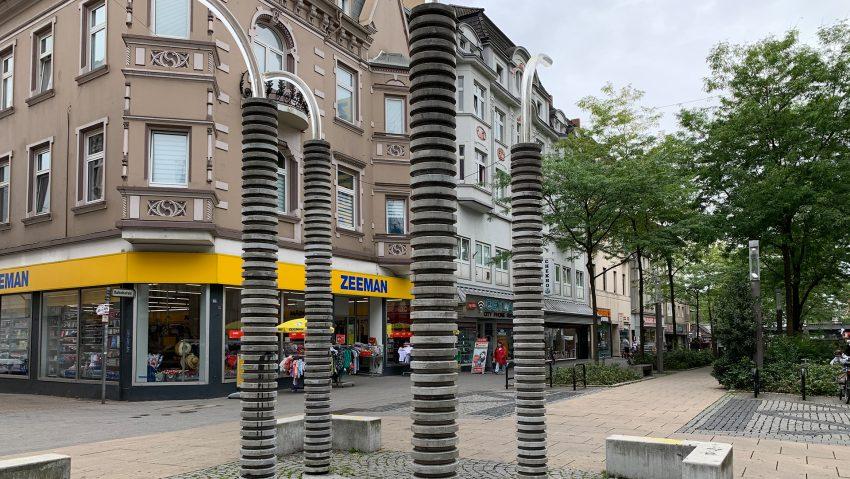 Restaurierung der zwei Kunstobjekte an der Bahnhofstraße abgeschlossen.