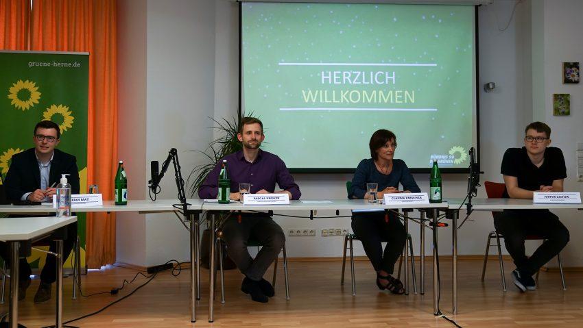 Herner Grüne Wahlkampfauftakt PK, (v.li.) Fabian May, OB-Kandidat Pascal Krüger, Claudia Krischer und Justus Lichau.