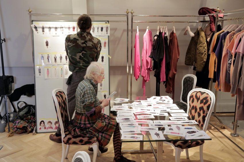 Vivienne Westwood führt ihr Modeimperium sowohl geschäftlich als auch kreativ.