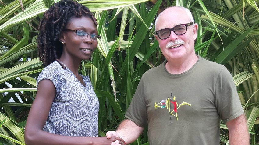 Der Herner Michael Winking hilft ehrenamtlich in Kenia als Pate von Vollwaisen und Geschäftsführer einer Schule. Bild: v.li. Priscilla Dama Fondo, Staatssekretärin im Kulturministerium mit Winking