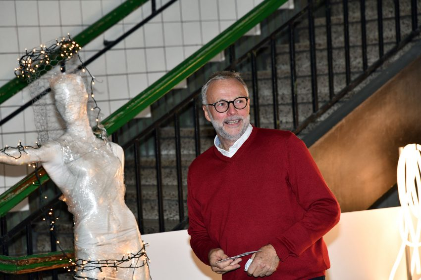 33 Künstler präsentieren ihre Werke bei der internationalen Gruppenausstellung