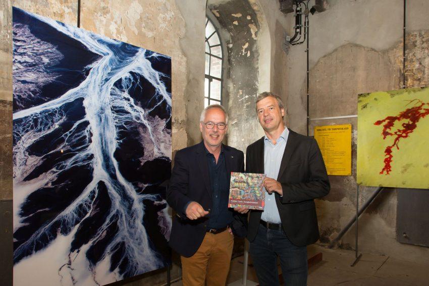 Museumsdirektor Dirk Zache (l.) und Museumsleiter Dietmar Osses stellten die Ausstellung