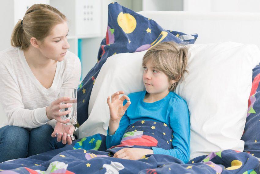 Antibiotika wirken nur gegen bakterielle Infektionen und sind völlig unwirksam, wenn die Erkältung durch Viren ausgelöst wurde.