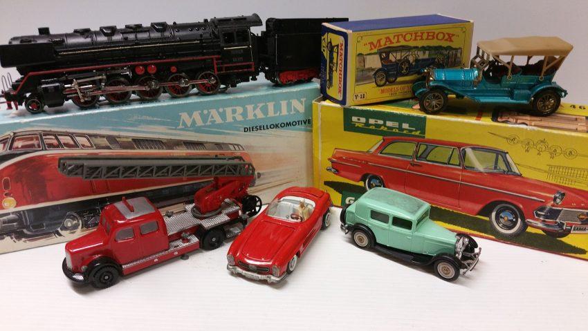 Modelleisenbahnen aller gängigen Größen und Fabrikate werden zum Verkauf angeboten.