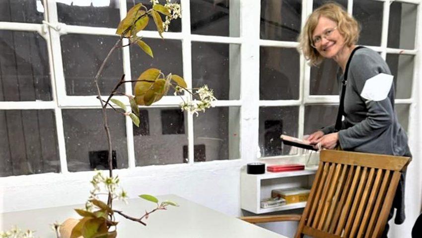 Katarzyna Stefania Józefowicz, hier im Gastatelier auf Unser Fritz, eröffnet die Int. Künstler-Residenz.