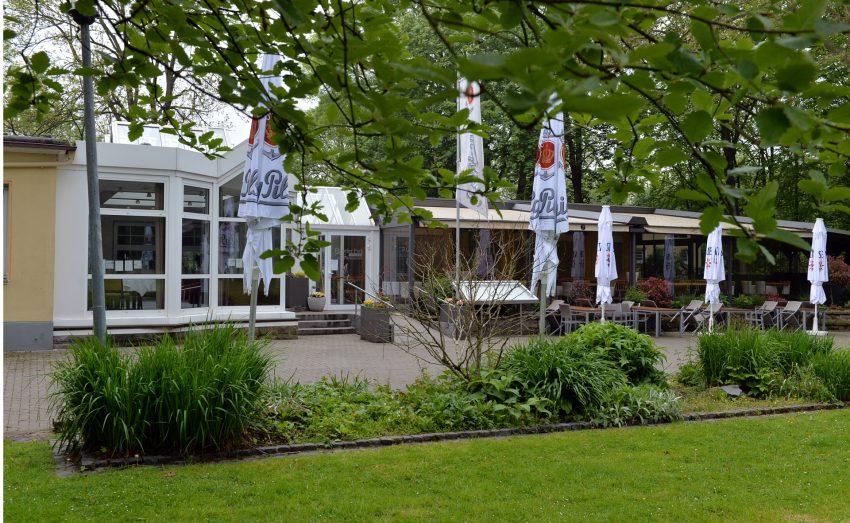 Nach der Bundesnotbremse dürfen die Herner Außengastronomien kurz vor Pfingsten wieder öffnen. im Bild: das Café & Restaurant im Eickeler Park.