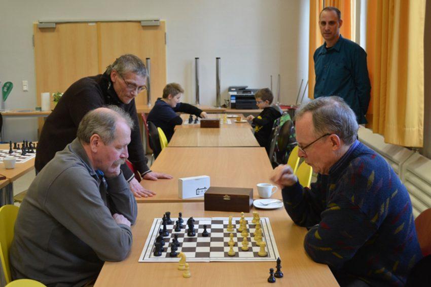 Zeppeliner Schachcafé.