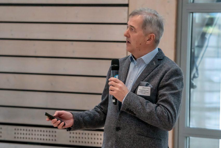 Prof. Dr. med. Matthias Kemen.