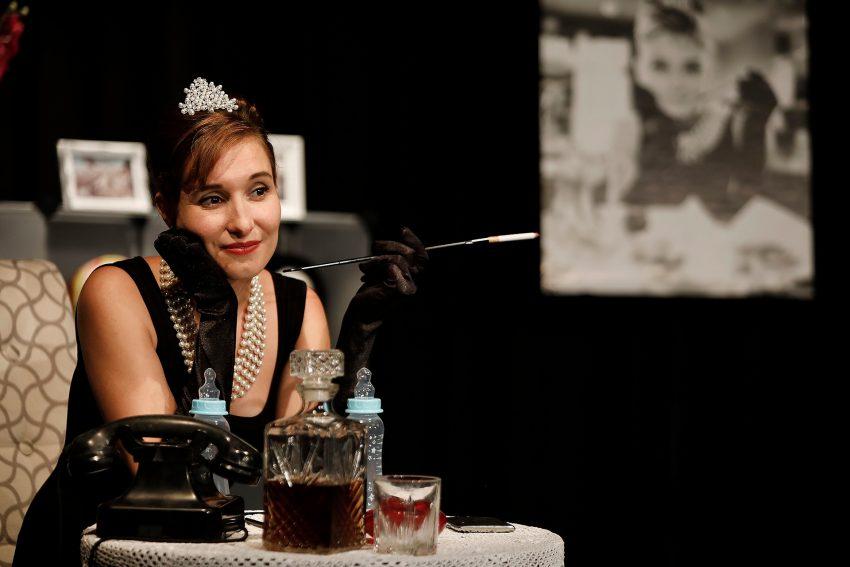 Daniela Michel als Audrey Hepburn.