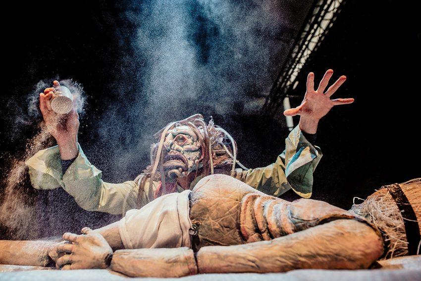Figurentheater: Der Untergang des Hauses Usher - Eine Produktion der Bühne Cipolla.