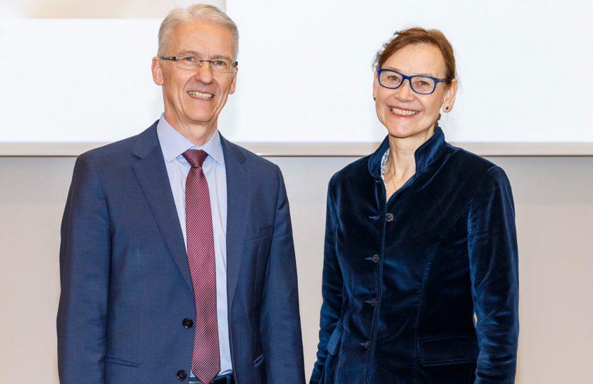 v.l. Prof. Rainer Wirth und Prof. Petra Thürmann.