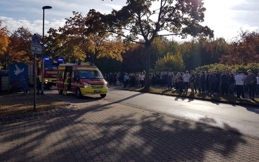 Feuerwehreinsatz an der Erich-Fried-Gesamtschule.