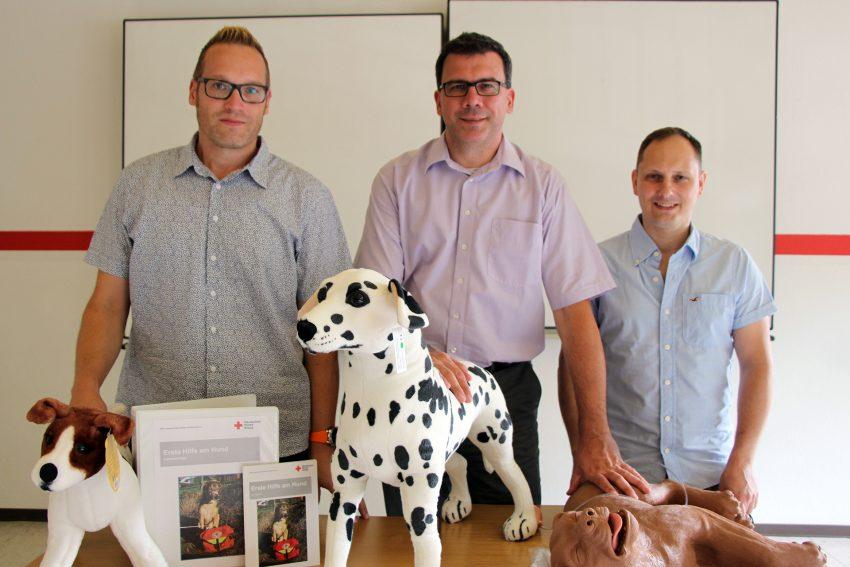 v.l. Ralph Olschewski, DRK-Geschäftsführer Dr. Martin Krause, Dirk Orzessek.