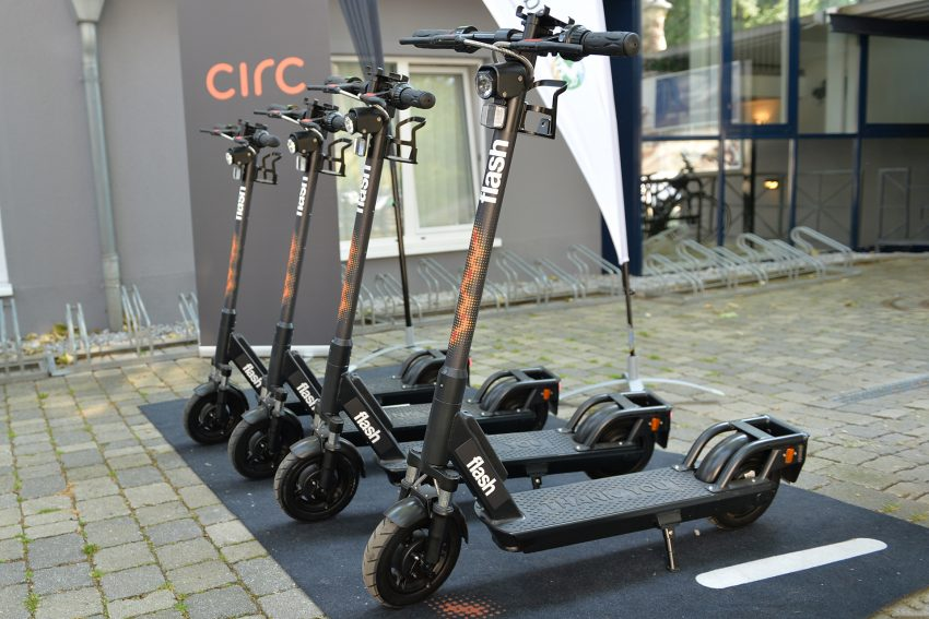 Die ersten Tretroller dürfen auf Herner Radwegen und Straßen rollen.