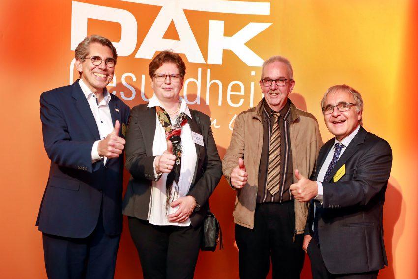 v.l. Andreas Storm, Vorstandsvorsitzender der DAK-Gesundheit, Dr. Lieseltraud Lange-Riechmann, Wittekindshofer BGM-Koordinatorin, Hans-Jürgen Kämper, Wittekindshofer Ansprechperson-Sucht, Prof. Dr. Jürgen Wasem von der Universität Duisburg-Essen.