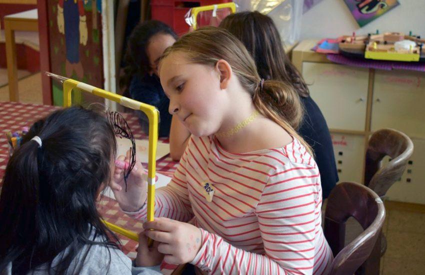 Die Mädchen malten ihre Träume für die Welt.