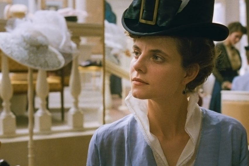 Juli Jakob als Iris Leiter in dem Film: Sunset.