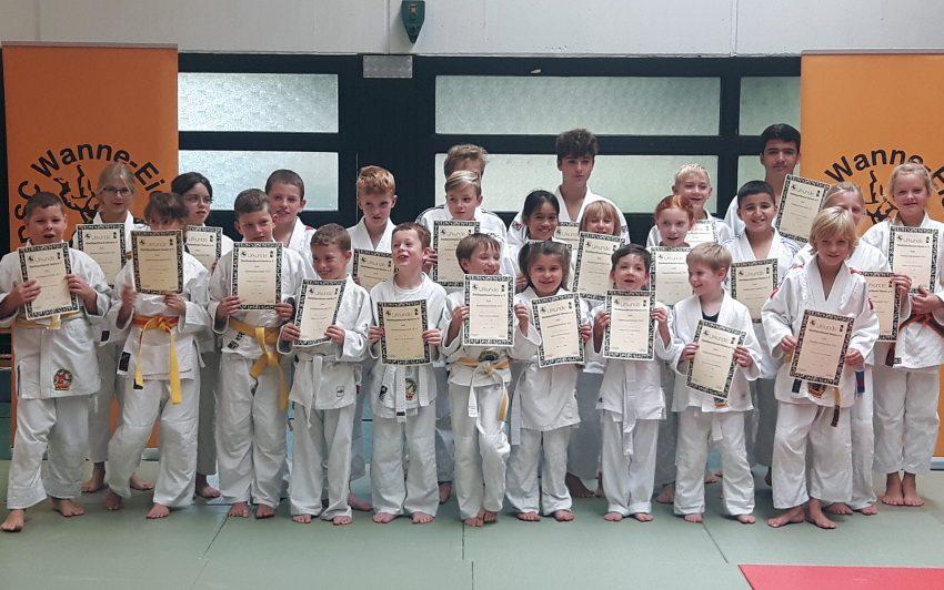 Judoka der Vereine KSV Herne und DSC Wanne-Eickel - Judo.