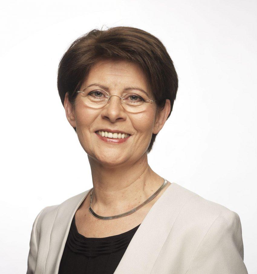 Dr. Renate Sommer
