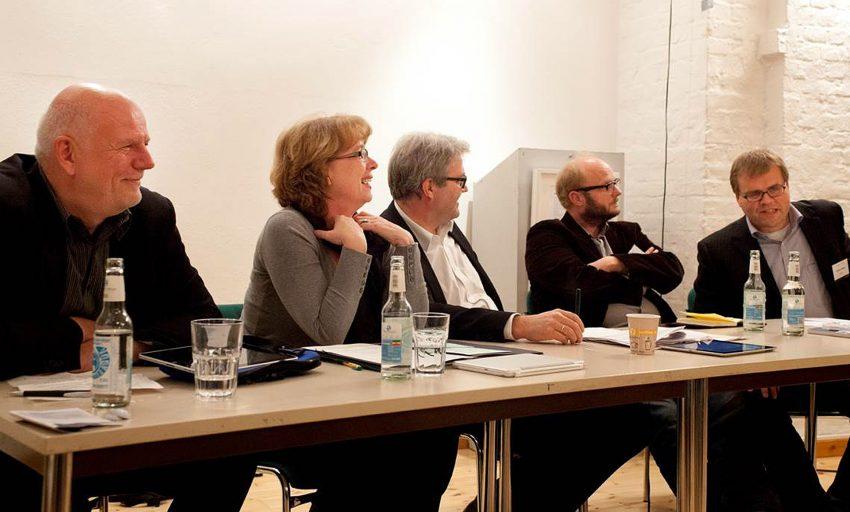 Thomas Nückel (l.) bei einer Diskussion in Berlin.