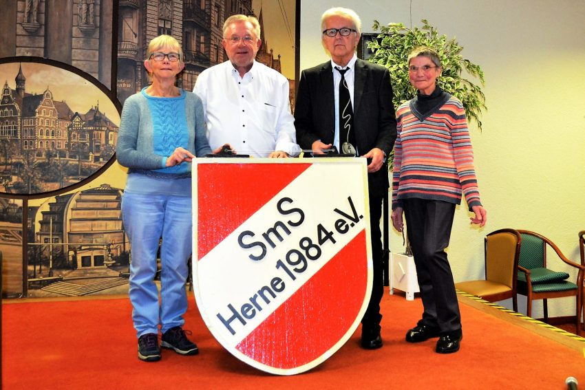 v.l. Ursula Woger, Detlef Brune, Burkhard Ladewig, Christel Neuhaus.