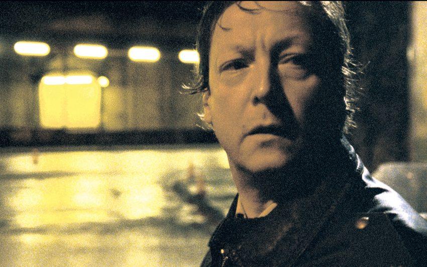 Matthias Brandt als Georg Hoffmann.
