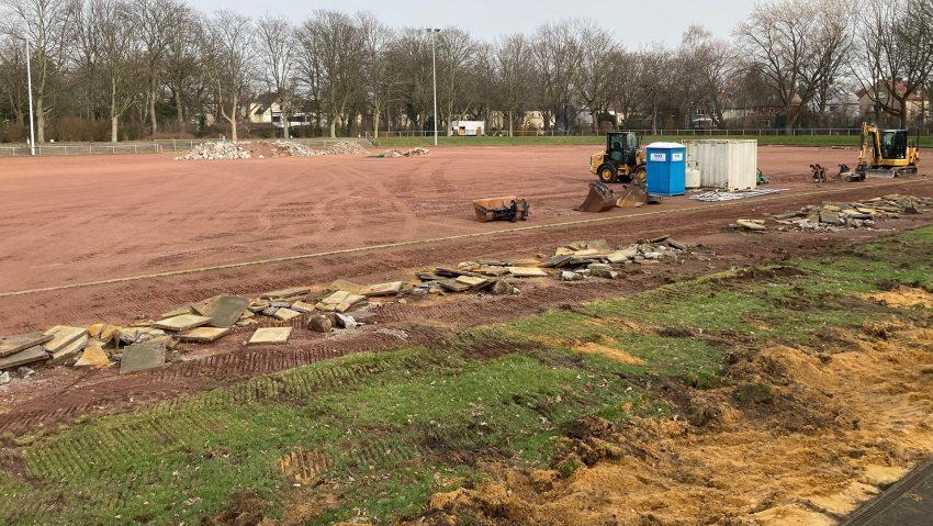 Die Bauarbeiten zur Modernisierung des Horststadions haben Anfang Februar 2021 begonnen.