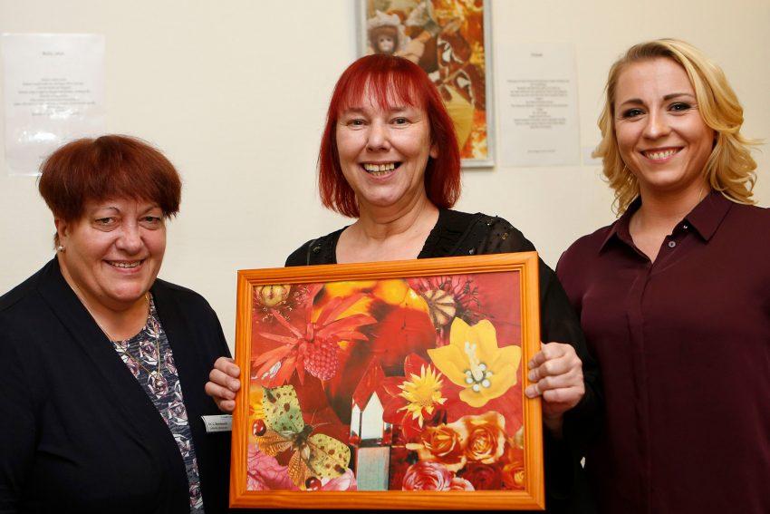 v.l. Dr. Cornelia Bombosch Leitende Oberärztin am St. Marien Hospital Eickel, die Künstlerin Marion Wagner-Borris, Julia Alperstädt Gesundheits- und Krankenpflegerin.