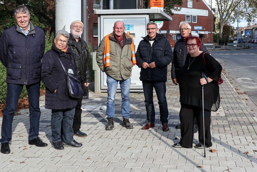 v.l. Josef Becker, Brigitte Schwartz, Reinhard Lange, Thomas Schmidtmann, Adi Plickert, Alexander Schwartz, Elisabeth Majchrzak-Frensel. SPD OV Eickel vor Ort.