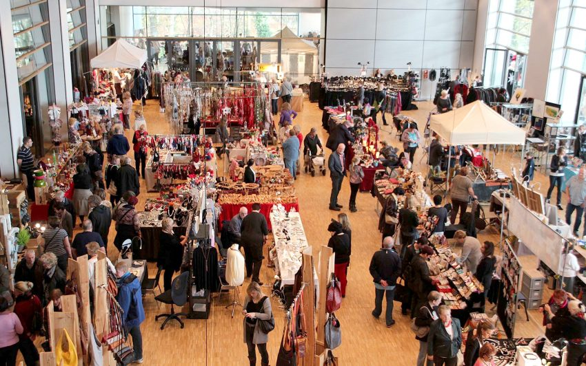 Über 120 Aussteller präsentieren ihre Produkte im und am Ruhrfestspielhaus Recklinghausen.